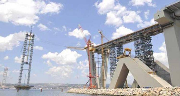 İzmit Körfez Köprüsü Hızla Yükseliyor.