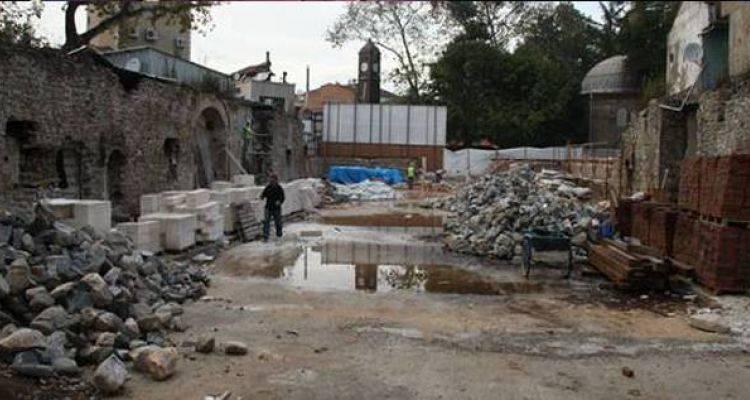 500 Yıllık Beylik Hanı'nda Restorasyon Çalışmaları Devam Ediyor