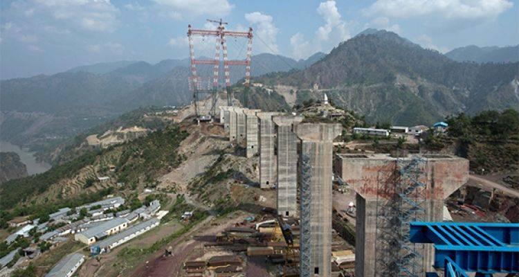 Dünyanın En Büyük Köprüsü Hindistan'da Yükseliyor