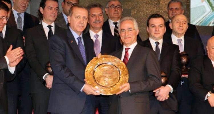 Cumhurbaşkanı Erdoğan'dan 42 Müteahhite Ödül