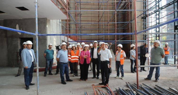 Eş Başkanlar Kültür Ve Kongre Merkezi İnşaatını Denetledi!