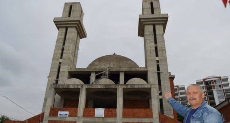 Kiliseye Benzetilen Cami 10 Yıldır Bitirilmeyi Bekliyor
