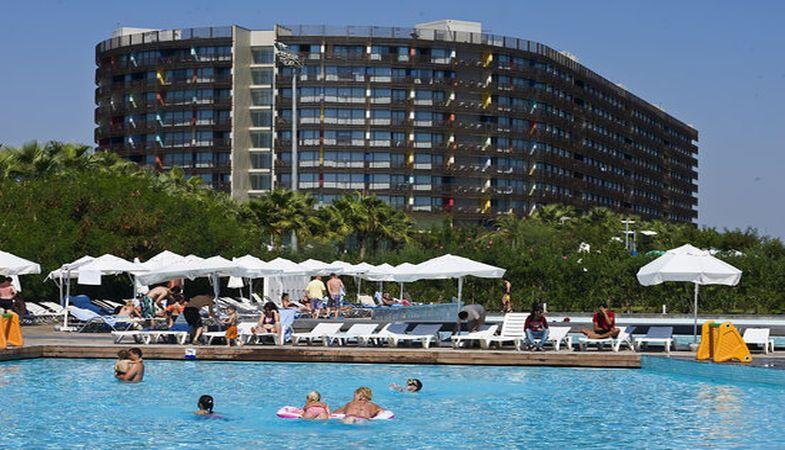 Antalya Kervansaray Lara Oteli Satılıyor!