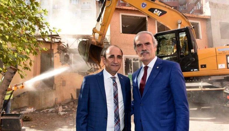 Bursa'da kentsel dönüşüm ile 276 metruk bina yıkıldı