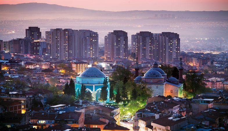 Realty World markasının Bursa'daki ofis sayısı 9'a çıktı