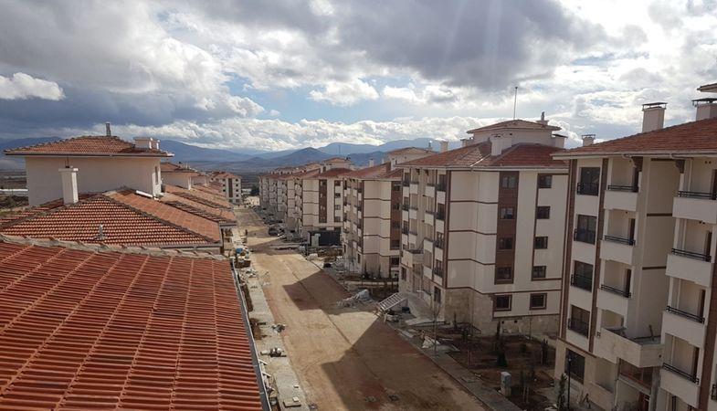 TOKİ Burdur Karamanlı projesinin kurası çekildi