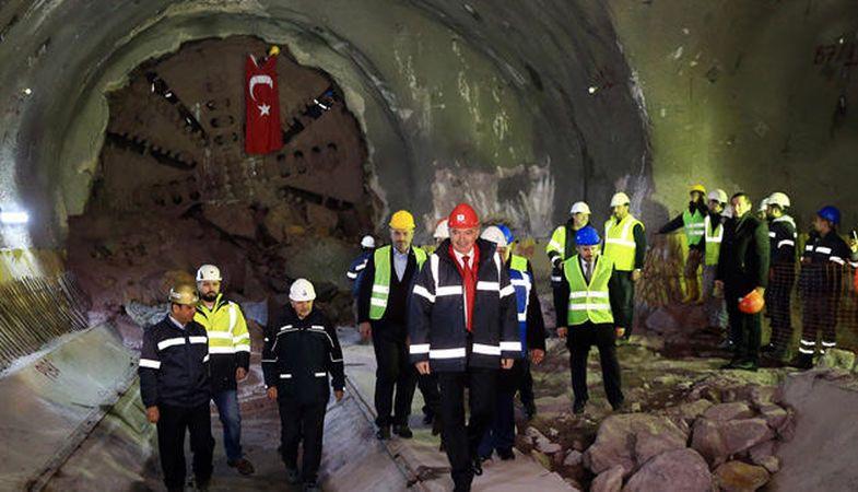 Dudullu-Bostancı Metro Hattı'nın tünelleri birleştirildi