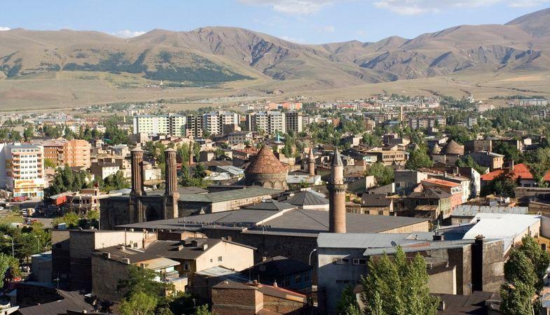 Erzurum'da 244.5 milyon TL'ye 52 arsa satışa çıktı