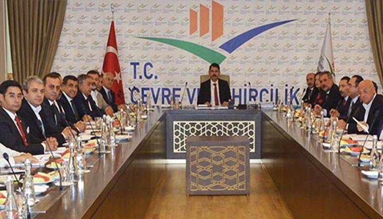 Yeni Çevre ve Şehircilik Bakanı Murat Kurum, inşaat sektörünün temsilcileriyle görüştü