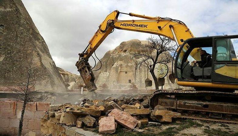 Kapadokya'daki usulsüz yapıların yıkımı sürüyor