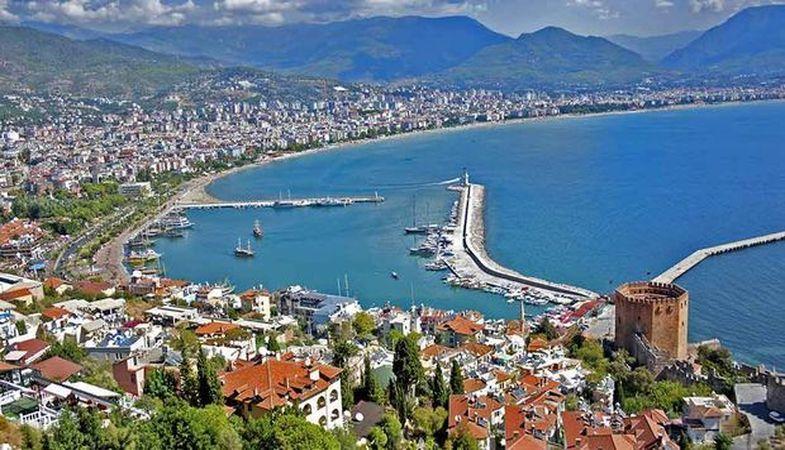 Antalya'da geçen ay 5 bin konut satıldı