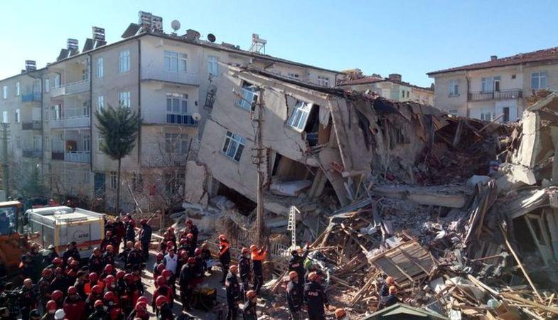 Depremden etkilenenler Elazığ TOKİ konutlarına nakledilecek
