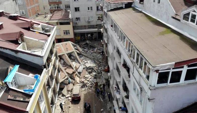 Zeytinburnu'nda çöken binanın etrafındaki 4 bina boşaltıldı