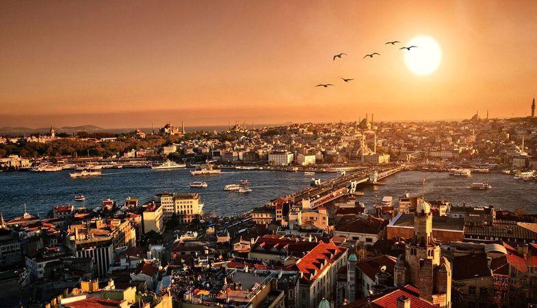 Başkan Demir'den Tarihi Yarımada'da Çatı Açıklaması