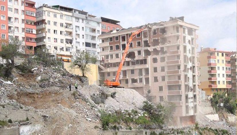 """""""Türkiye'nin yüzde 30'u riskli binalarda yaşıyor"""""""